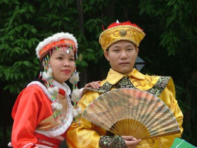 Zdjęcia: Południe Chin, Tradycyjne stroje dynastii ..., CHINY