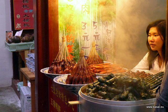 Zdjęcia: Qibao, Kulinarnie - uliczny barek, CHINY