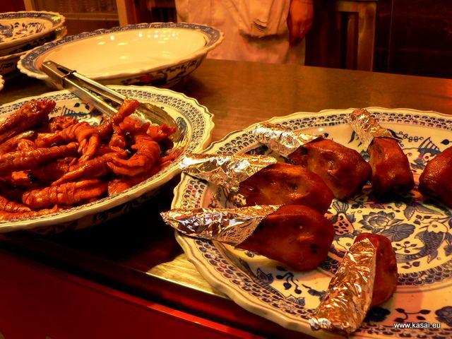 Zdjęcia: Qibao, Kulinarnie - kacze główki, CHINY