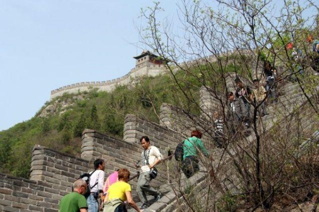 Zdjęcia: BADALING, Deptanie WIELKIEGO MURU., CHINY