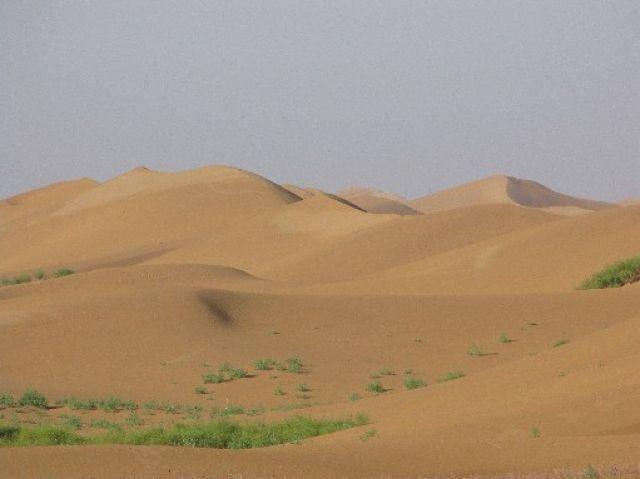 Zdjęcia: Sungari, NE Chiny, Huang He plynie na skraju pustyni, CHINY