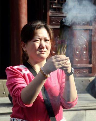 Zdjęcia: Modlitwa, Twarze Chin, CHINY