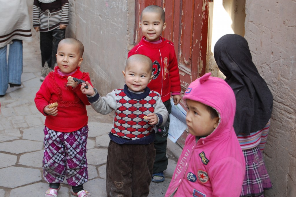 Zdjęcia: Kaszgar, Zach.Chiny, Dzieci w Kaszgarze, CHINY