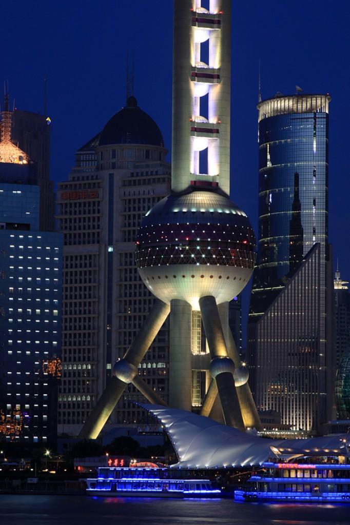 Zdjęcia: Pudong, Shanghai, Oriental Pearl Tower nocą, CHINY
