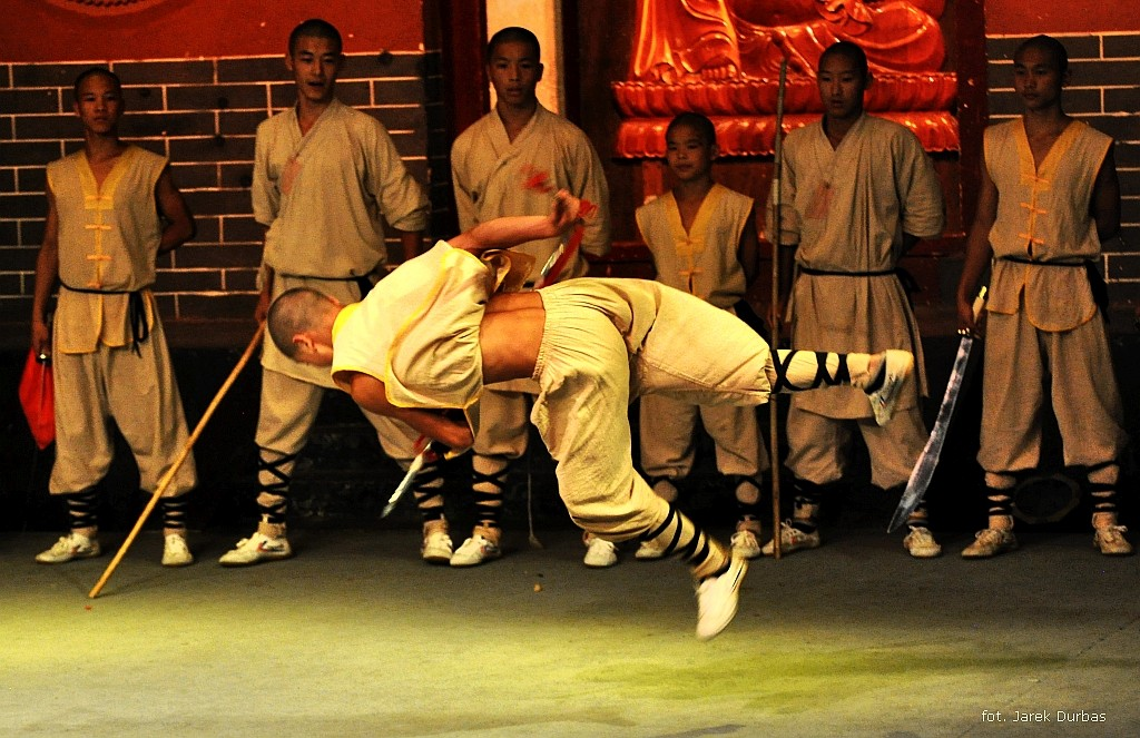 Zdjęcia: hala pokazowa, Klasztor Shaolin, pokaz, CHINY