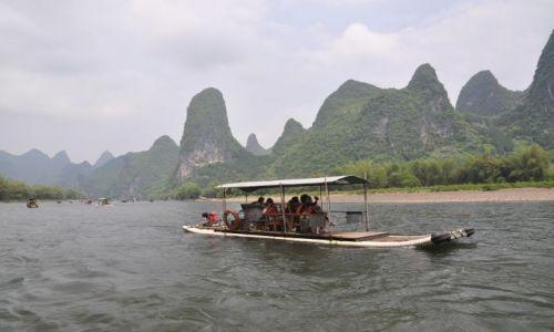 Zdjecie CHINY / Guilin / Yangshou / Na rzece Li