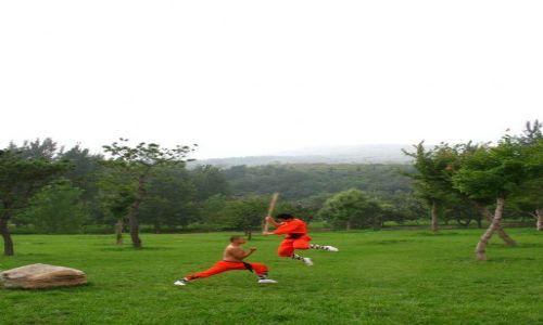 CHINY / Okolice miasta Luoyang / Klasztor Shaolin / Pojedynek w klasztorze Shaolin