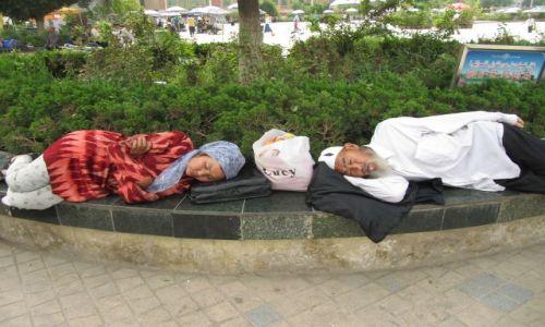 Zdjęcie CHINY / Kaszgar / ulica / Odpoczynek