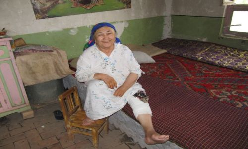 Zdjęcie CHINY / Kaszgar / w domu na starym mieście / Chinka  ? z Kaszgaru