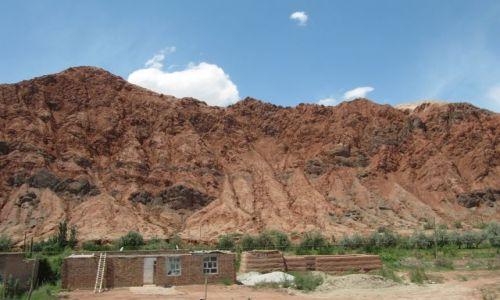 Zdjęcie CHINY / Karakorum Highway / Aoyi Take / Czerwone skały