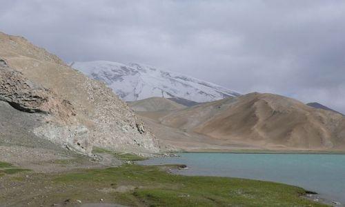 Zdjecie CHINY / Karakorum Highway / Karakul Lake / nad jeziorem Karakul
