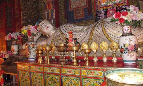 Zdjęcie CHINY / Xiahe / klasztor Labrang / Wielki Budda