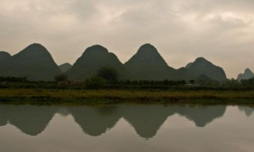 Zdjecie CHINY / Guangxi  / Yangshuo / The snake is long, seven miles...