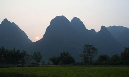 Zdjecie CHINY / -Guilin / Yangshuo / zachod slonca w yangshuo