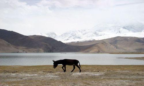 CHINY / Xinjiang / Karakorum Hihgway / Karakul lake