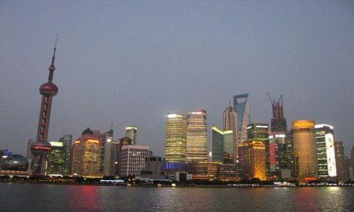 CHINY / Szanghaj / Szanghaj / Pudong wieczorem