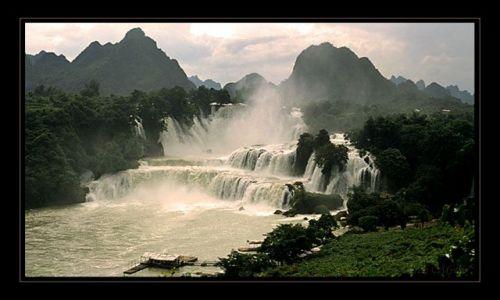 Zdjecie CHINY / prowincja guangxi / prowincja guangxi / gdzies w chinac
