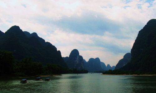 Zdjecie CHINY / Gulin / Na łodzi / Spływ po rzece LI