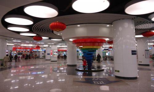 CHINY / Pekin / Stacja metra Liuliqiao / Pekin nowoczesny