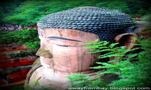 Zdjęcie CHINY / Leshan / Leshan / Wielki Budda z Leshan