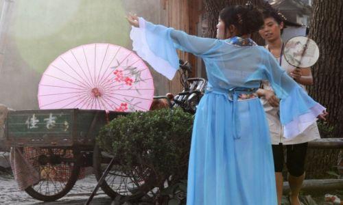Zdjecie CHINY / Jiangsu / Suzhou / KONKURS FOTO. Kobieta w obiektywie podróżnika.