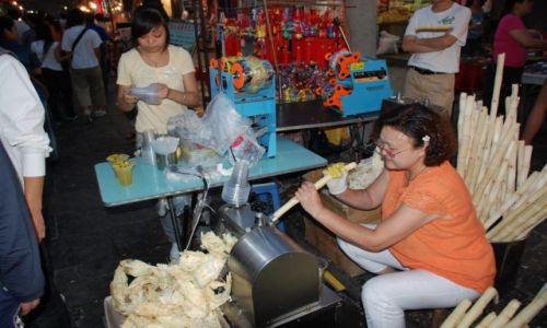 CHINY / Xian / Dzielnica Muzułmańska / Produkcja pysznego soku z trzciny