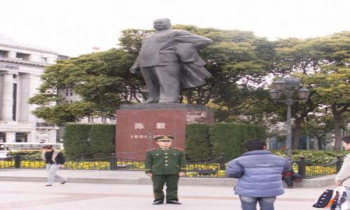 Zdjecie CHINY / brak / Szanghaj / Mao wciąż wielki
