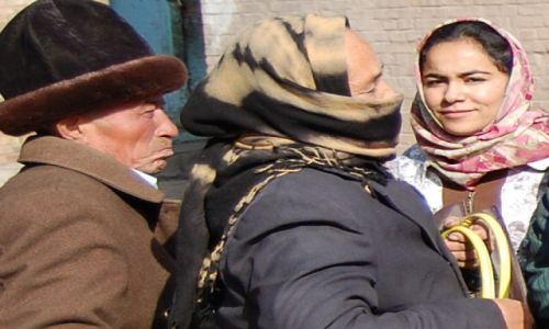 Zdjęcie CHINY / Zach.Chiny / Kaszgar / Poprostu...piekna kobieta