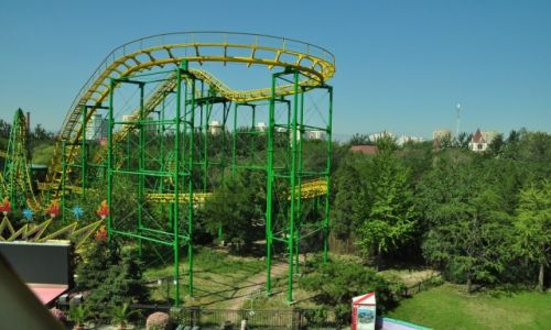 CHINY / Beijng / Beijing amusement park / Chiński rollercaster