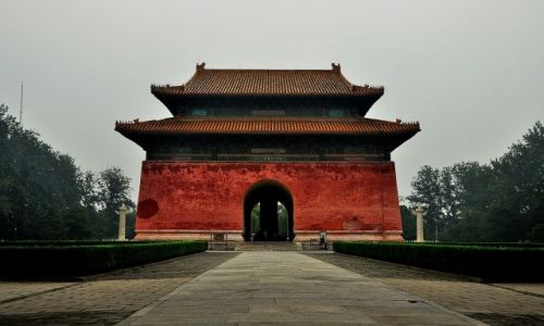Zdjecie CHINY / Pekin / prawie w Pekinie / Brama Steli