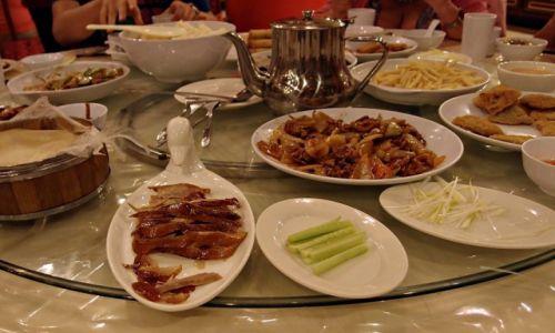 Zdjecie CHINY / Pekin / W restauracji / Kaczka po pekińsku
