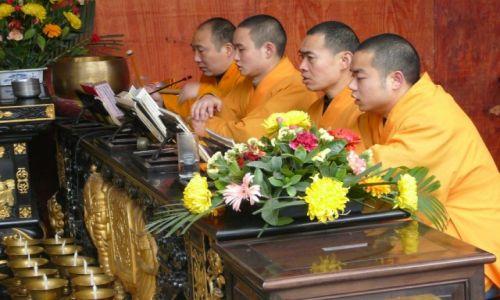 Zdjecie CHINY / Prowincja syczuan / Świątynia Wielkiego Buddy / Chórzyści z Les