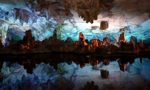 Zdjęcie CHINY / Guilin / Jaskinia Trzcinowego Fletu / Kolory Jaskini
