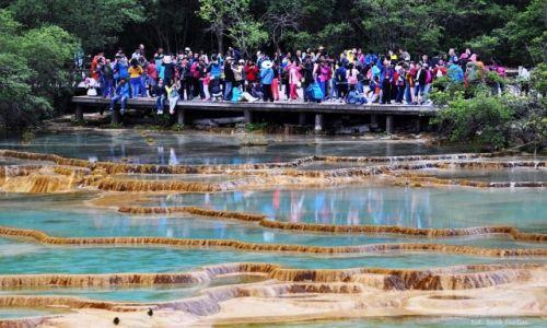 Zdjecie CHINY / Syczuan / Huanglong / turyści
