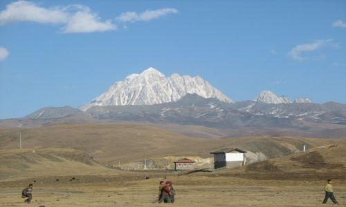 Zdjecie CHINY / Ganzi / okolice Tagongu/Lhakangu / Góra Jala