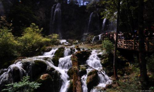 Zdjecie CHINY / Syczuan / Jiuzhaigou / Wodospad perłowy
