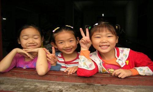 Zdjęcie CHINY / Syczuan / Chengdu / dziewczynki z Syczuanu