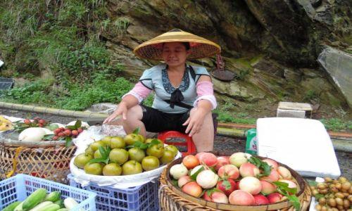 Zdjecie CHINY / Guilin / Long Sheng  / Zakupy w drodze