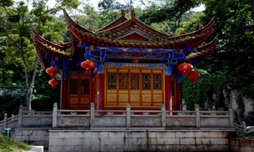 Zdjęcie CHINY / Yunnan / Kunming / Na terenie Świątyni Bambusowej