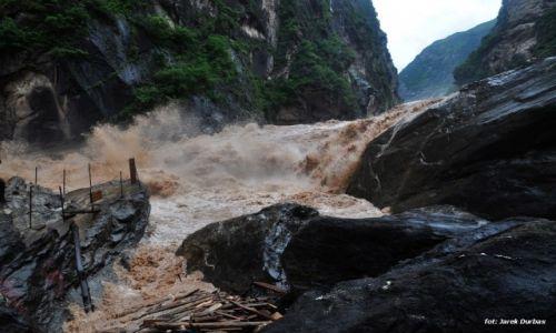 Zdjecie CHINY / Junnan / rzeka Jangcy / W�w�z skacz�ceg
