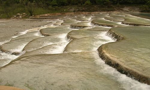 CHINY / Yunan / okolice Lijiangu / park Yulong Xueshan 2