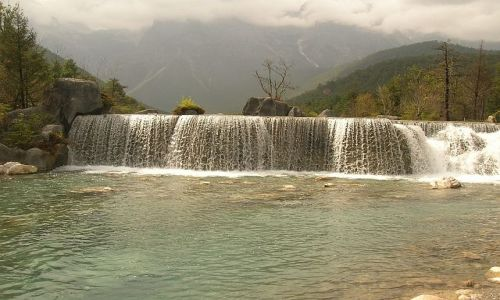 CHINY / Yunan / okolice Lijiangu / park Yulong Xueshan 4