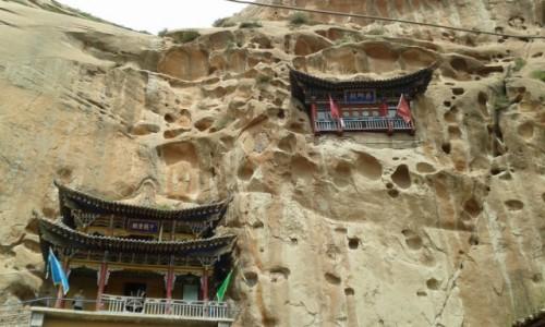 Zdjecie CHINY / - / Kompleks skalnych świątyń Mati / Klasztor w skale