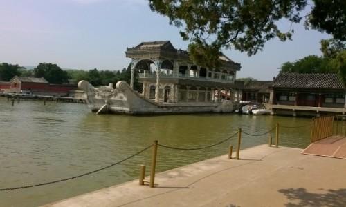 Zdjecie CHINY / - / Pekin, Pałac Letni / Kamienna łódź
