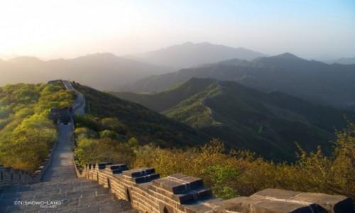 CHINY / Huairou / Jiankou / Chiny - Jiankou - Wielki Mur Chi�ski z plecakiem