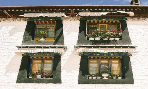 Zdjecie TYBET / Tybeta�ski Region Autonomiczny / Lhasa / Okno
