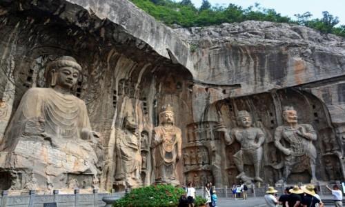 Zdjecie CHINY / Wschodnie Chiny / Longmen / Jaskinie Dziesięciu Tysięcy Buddów