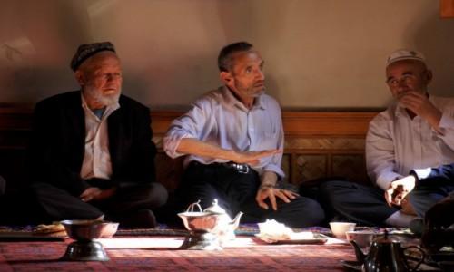 Zdjecie CHINY / Kashgar / 100 year old tea house / Herbaciane rozm