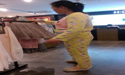 Zdjecie CHINY / Shanghai / Sklep z ubraniami / Stylowo:-)