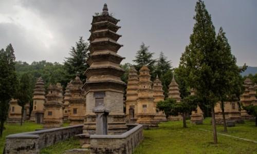 Zdjecie CHINY / - / Shaolin / Cmentarz mnichów klasztoru Shaolin